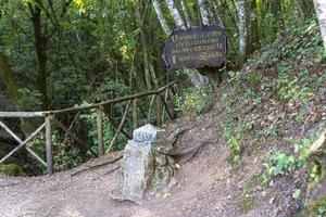 centro geográfico da itália localizado em narni foto