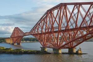 a quarta ponte ferroviária na Escócia foto