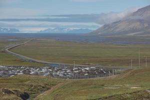 paisagem perto de longyearbyen, spitsbergen, noruega foto
