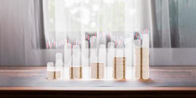 conceito moeda empilhado ações de investimento ilustração de crescimento foto