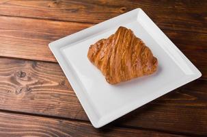 pão de croissant, sobremesa de pastelaria, comida foto