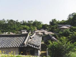 telhados de casas na aldeia tradicional, coreia do sul foto