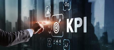 kpi indicador de desempenho chave conceito de tecnologia de internet empresarial na tela virtual foto