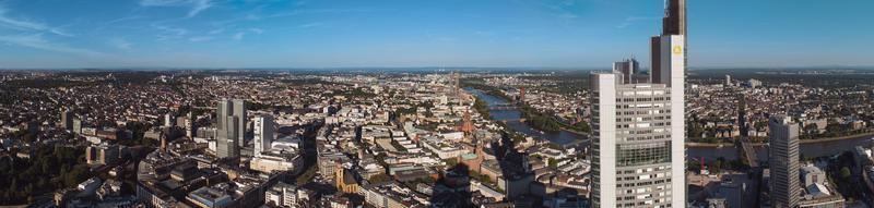 frankfurt am main skyline, alemanha, europa, o centro financeiro do país. foto