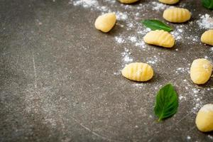 massa tradicional italiana de nhoque - não cozida foto