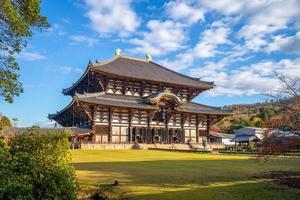 grande salão do Buda de todaiji em nara, japão foto
