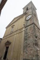 acquasparta, itália 2020- catedral de santa cecília na cidade de acquasparta foto