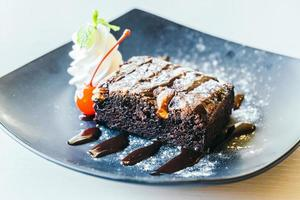 bolo de brownies de chocolate foto