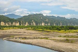 Little Huangshan e Beinan Creek em Taitung, Taiwan foto