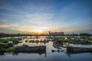 lago de madeira do parque cultural florestal de luodong em yilan, taiwan foto