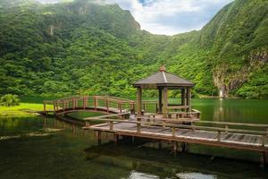 cenário da ilha guishan em yilan, taiwan foto