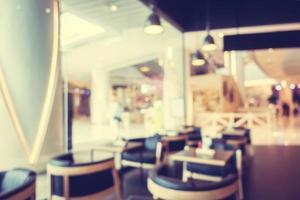 abstrato desfocado com desfoque e bokeh em cafeteria foto