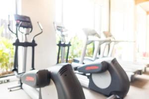 borrão abstrato ginásio e sala de fitness foto