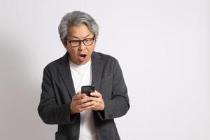 homem asiático isolado foto