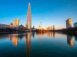 torre mundial lotte em seul, coreia do sul foto