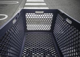 carrinho de compras de plástico foto