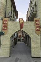 arco de pedra medieval foto