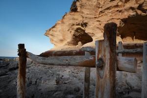 bela cala d en baster na ilha de formentera nas ilhas baleares na espanha foto