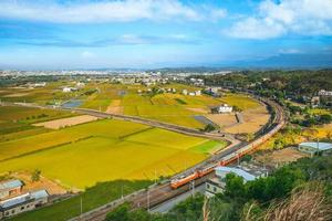 estação ferroviária de tanwen no condado de miaoli, taiwan foto