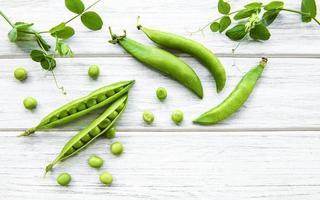 vagens de ervilhas verdes foto