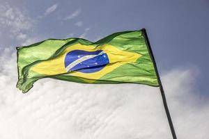 bandeira do brasil ao ar livre foto