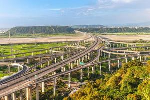 sistema de intercâmbio da rodovia em taichung, taiwan foto