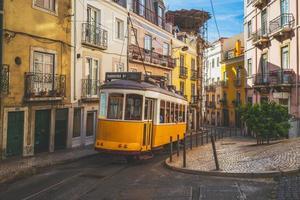 a rota clássica, eléctrico número 28 de lisboa em portugal foto