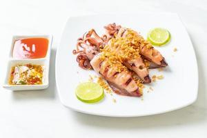 lula frita com alho - estilo frutos do mar foto