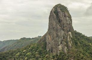 vista do trilho de pedra em são paulo foto
