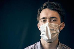 homem na máscara. foto