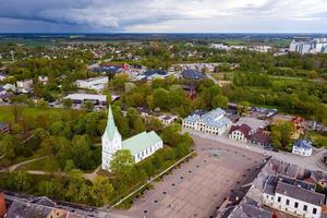 igreja luterana evangélica dobele em dobele, letônia foto