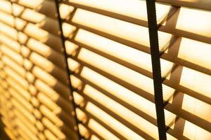 cortina de bambu de close-up, cortina de bambu, pintinho, veneziana ou cortina de sol - ponto de foco suave foto