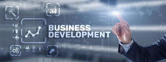 planejamento de desenvolvimento de negócios. inscrição em 3d a tela virtual. foto