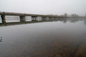 outono em dixie, no rio catawba, gastonia, carolina do norte foto