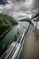 belas paisagens de navio de cruzeiro no Alasca foto