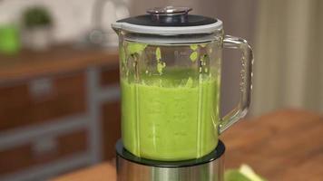 Visão macro da cor verde do smoothie do liquidificador, cozinhando em câmera lenta foto