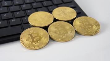 moeda digital conhecida como bitcoin foto