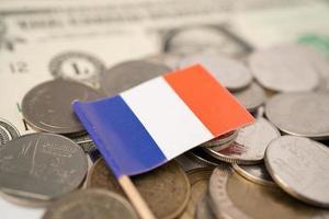 Bandeira da Itália no conceito de fundo, negócios e finanças de moedas. foto