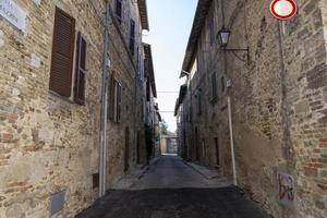 edifícios de montefalco, itália, agosto de 2020 foto