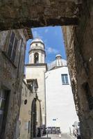 igreja no centro de orvieto, itália, 2020 foto