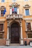 palazzo donini no centro de perugia, itália, 2021 foto