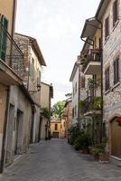 edifícios na vila de san gemini, itália, 2020 foto