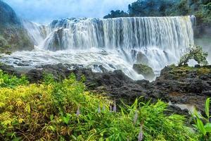 a cachoeira sae pong lai no sul do laos foto