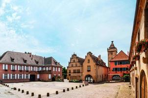 cidade medieval de rouffach na alsácia, frança foto