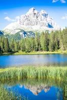 paisagem montanhosa da região de dolomiti, itália. foto