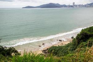 praia do buraco no balneário camboriú santa catarina brasil foto