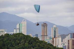 Balneário Camboriú vista do alto do morro da careca em santa catarina, brasil foto