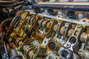 fazer o trabalho no motor antigo para ser reconstruído foto