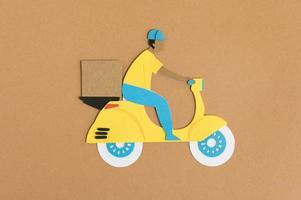 sortimento de transporte urbano em papel still life foto