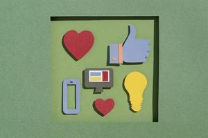 conceito de mídia social de alto ângulo natureza morta foto